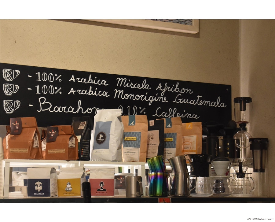 ... above which you'll find a menu board, which gives the standard espresso options.