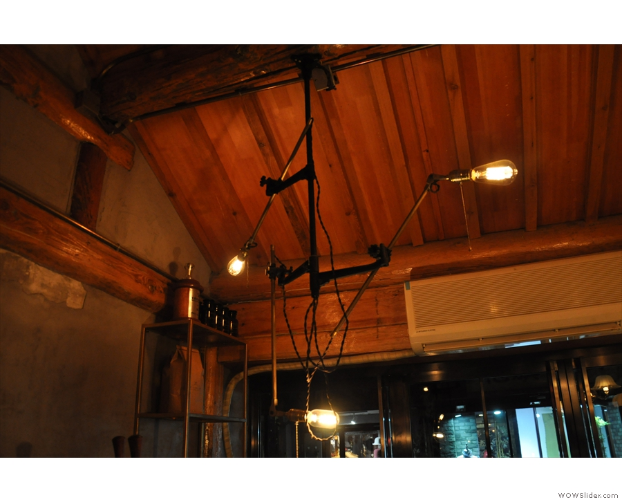 ... were these exposed bulbs, held on what looked like microphone stands.