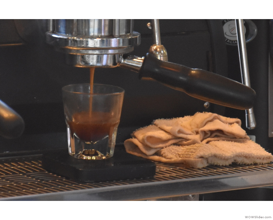 It really helps when the espresso is extracted into glass, as it is in Presta.