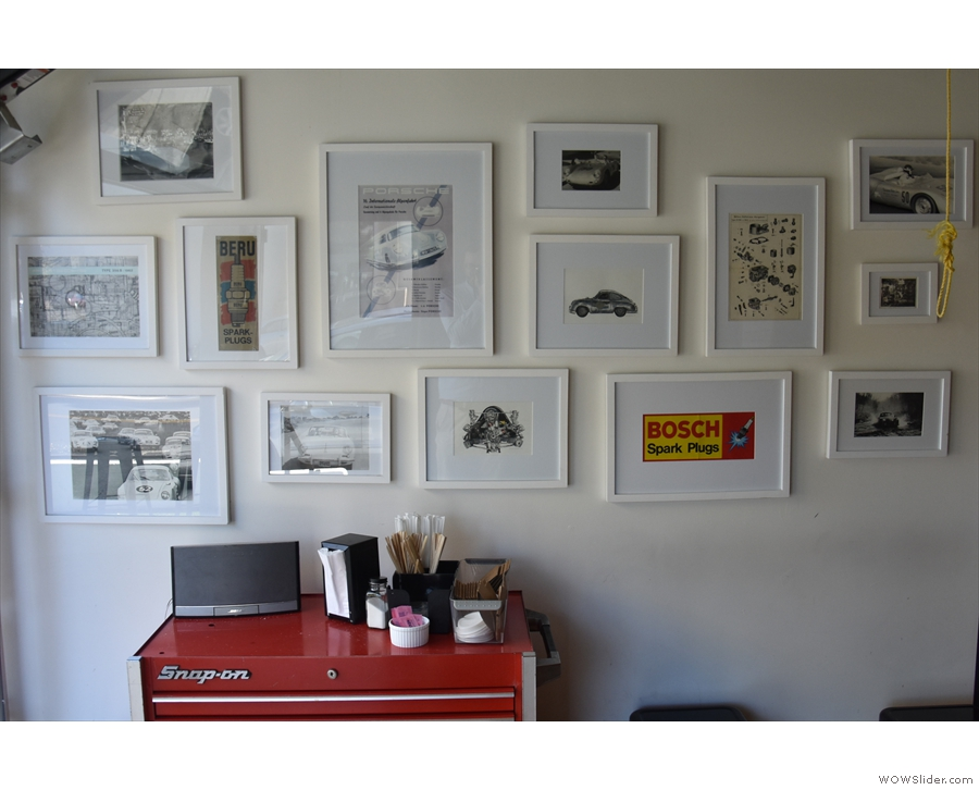 ... where the pictures of vintage cars on the walls belie the other aspect of Fourtillfour...