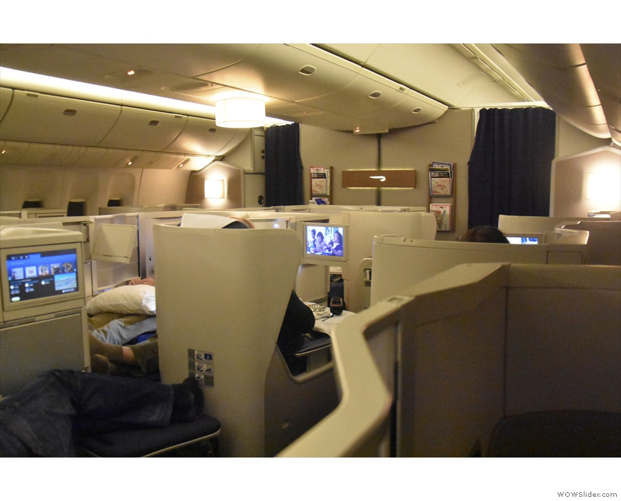 ... and here's the Club World cabin towards the front of the plane.