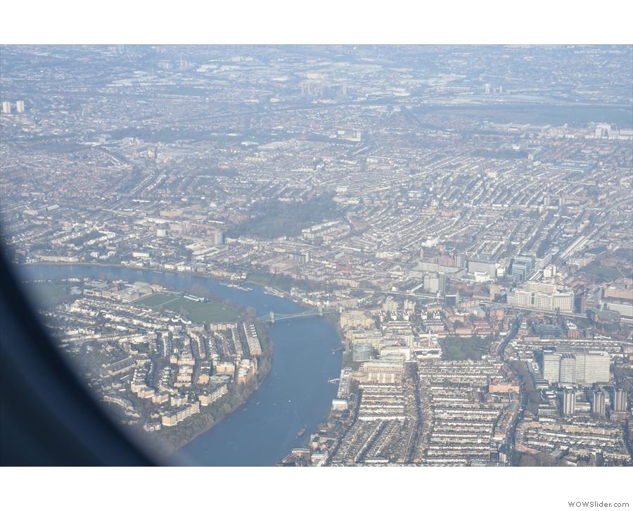 ... although I'm pretty sure that's Hammersmith Bridge.
