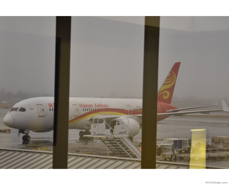 Now it's 2019 and here's my Hainan Airlines 787 coming to take me to Shanghai.
