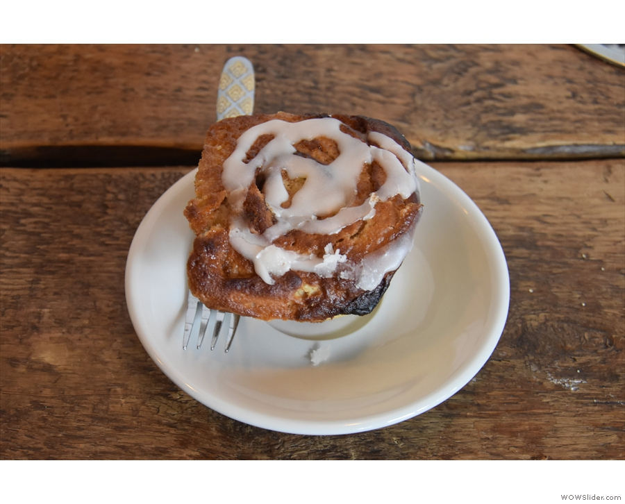 My cinnamon roll, a classic of the type.