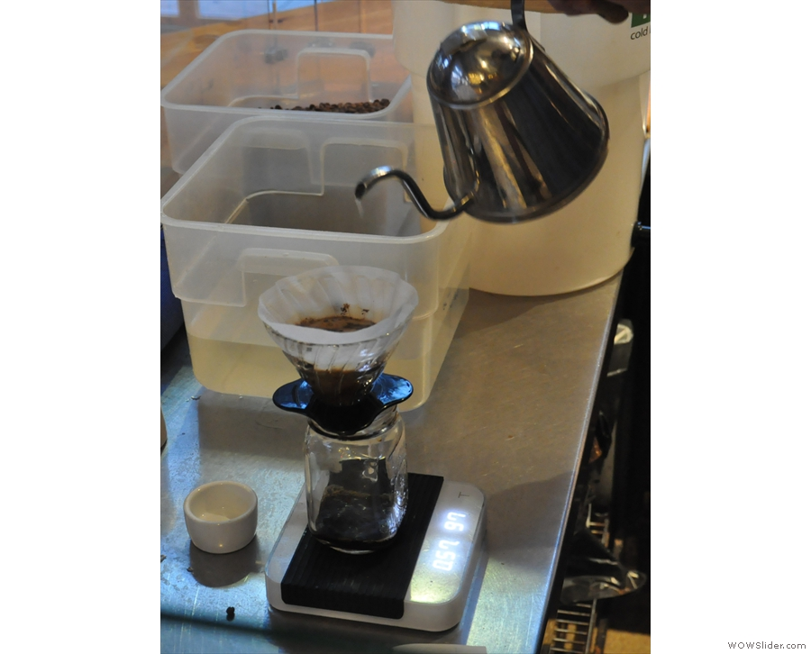 ... the V60 is slowly filled. Here we're a minute in and 97g of water has been added.