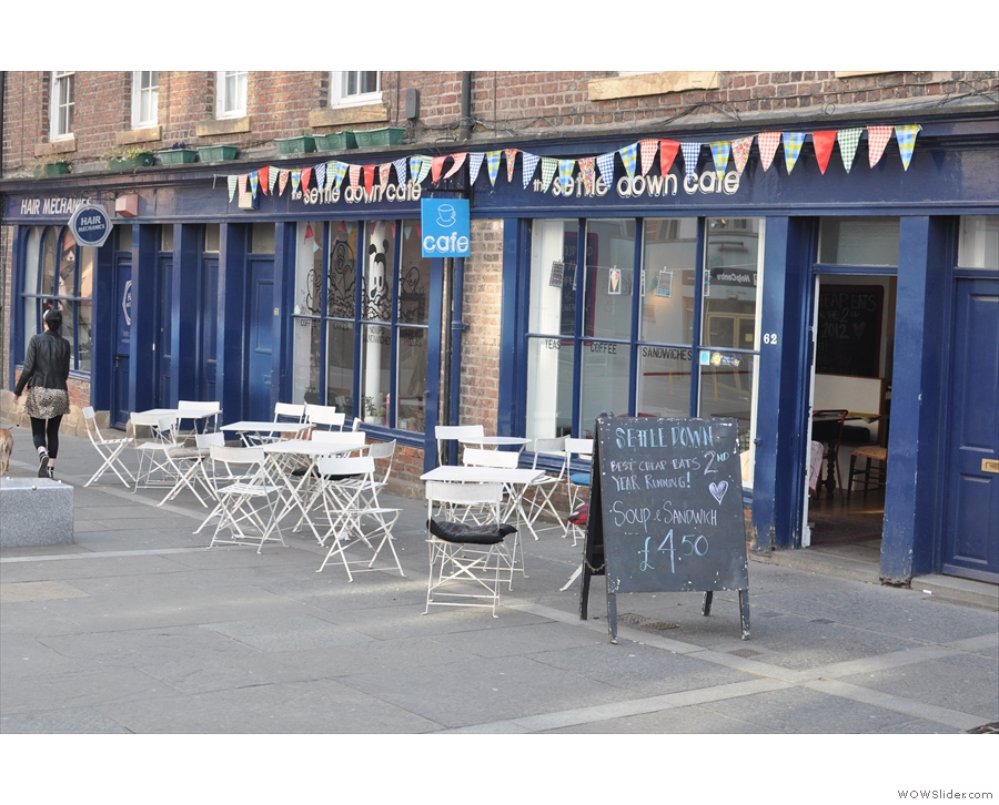 The Settle Down Cafe: lovely name, lovely place