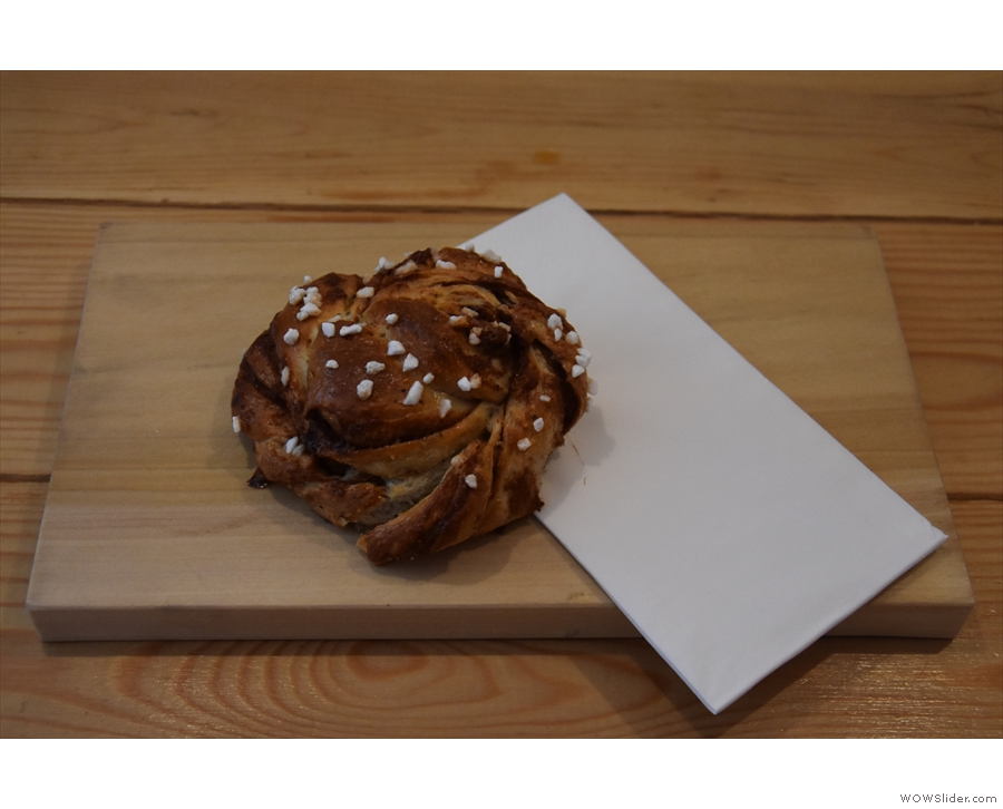 My cinnamon bun. Definitely worth waiting for.