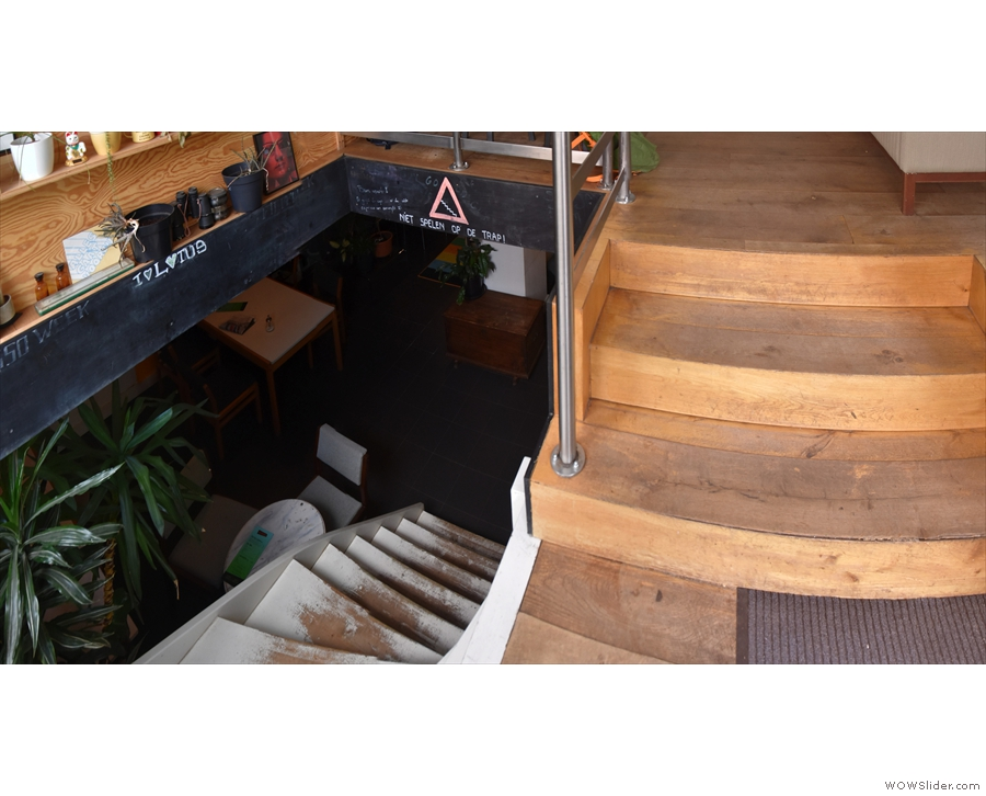 Let's take a look, shall we? This is the view of the stairs from just inside the door.