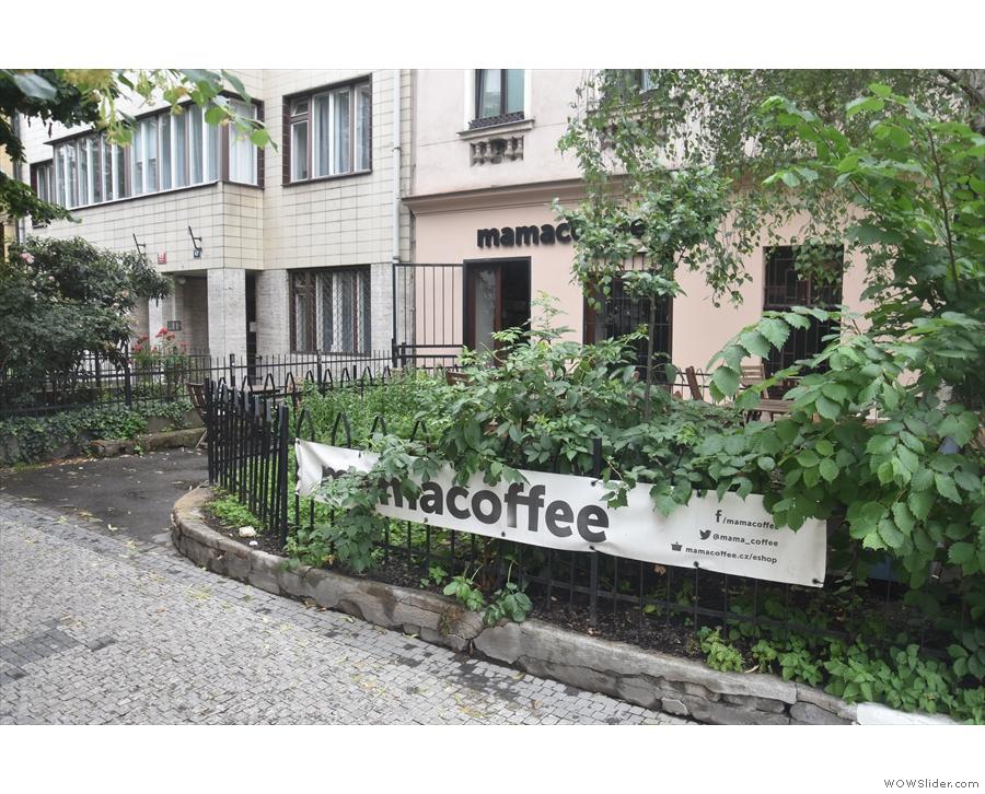 Mamacoffee n Prague's new town, seen approaching south along Londýnská...