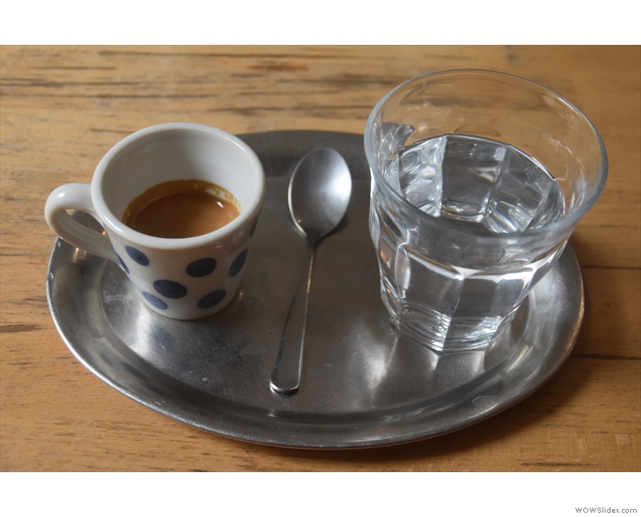 Finally, I tried the same beans as a straight espresso, again with the same presentation...