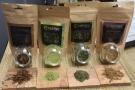 It has 4 products: 2 powders (matcha & houjicha) + 2 loose-leaf teas (sencha & houjicha).
