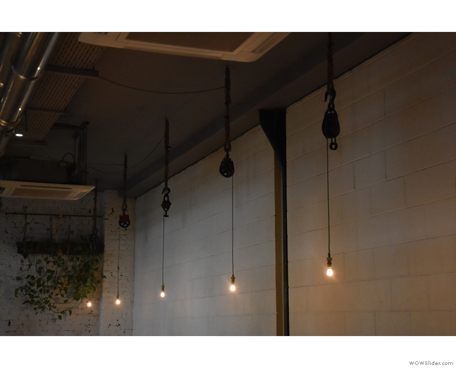 Indeed, Ozone does well for lights, including these at the back, hanging from pulleys...
