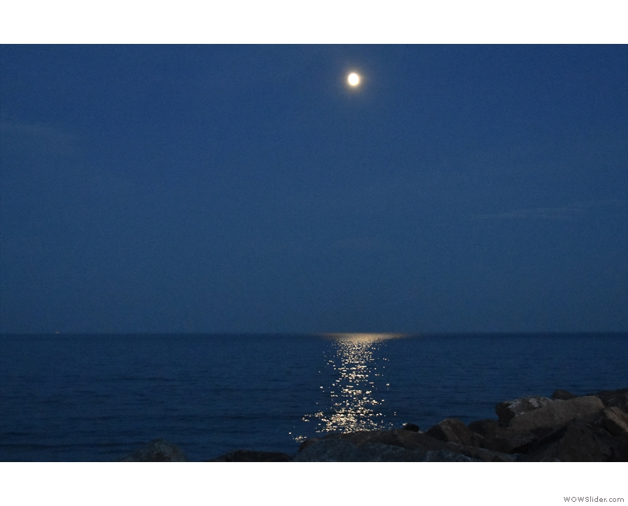 As it darkened, we were treated to moonlight reflected on the ocean...
