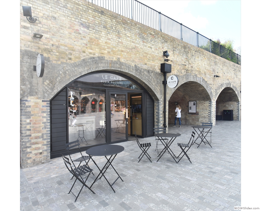 ... and in one of the arches on the left-hand side is Le Cafe Alain Ducasse.