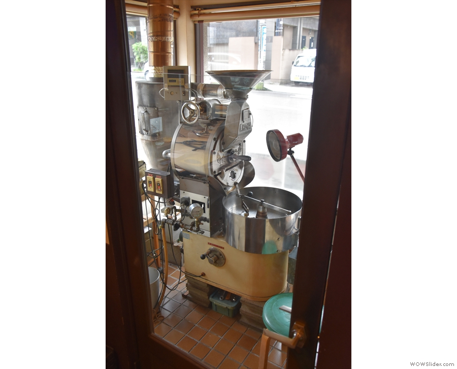 ... which gives access to roaster in the window.