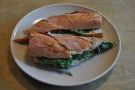 Goat's cheeese and spinach sandwich: tasty and healthy.