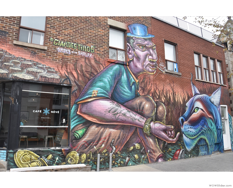 Like many buildings in this part of Montréal, it is highly decorated with amazing murals.