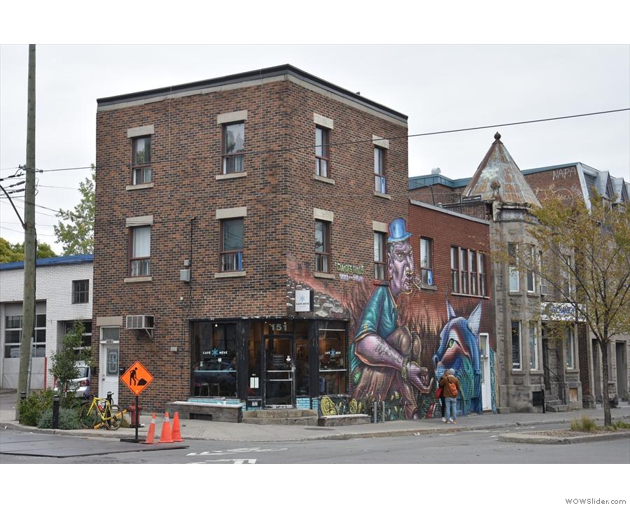 On a corner on Rue Rachel, in Le Plateau, Montréal, stands Café Névé.
