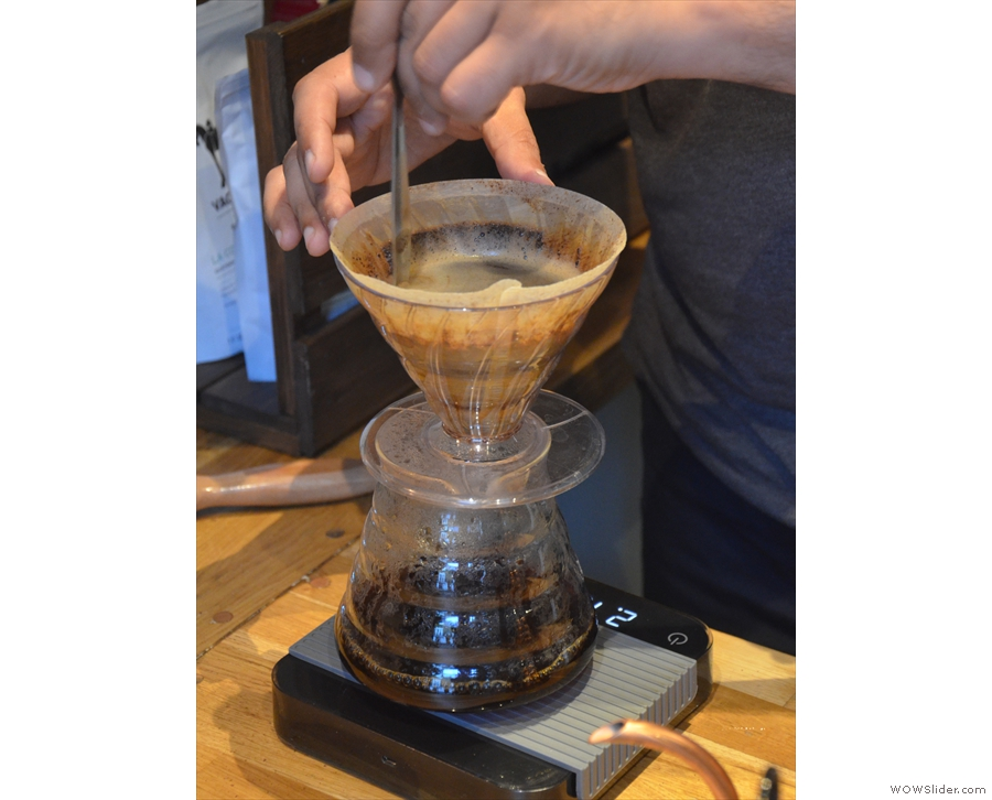 Sadiq of Amoret prepared a nice, big V60 for us to sample.