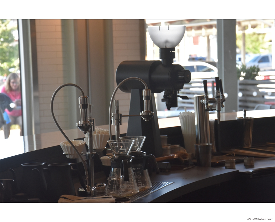 The coffee, meanwhile, is made using the Modbar system. There's pour-over to the left...