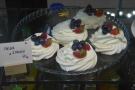 ... and some rather splendid-looking mini pavlovas...