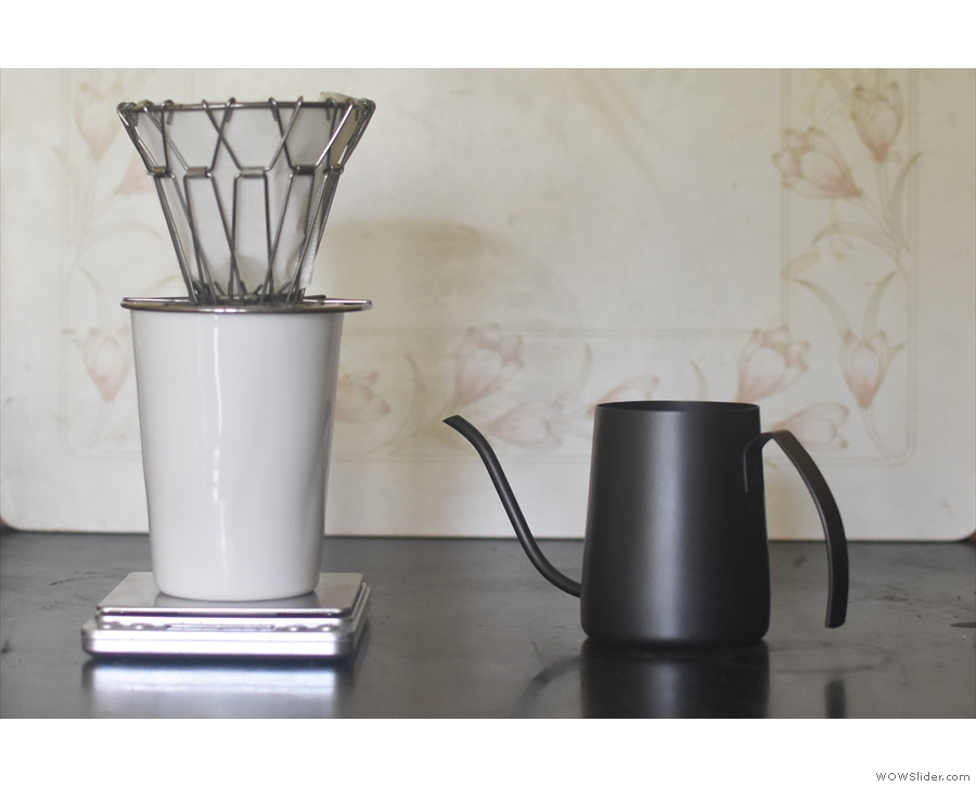 ... and a collapsable coffee filter, ideal for travelling.