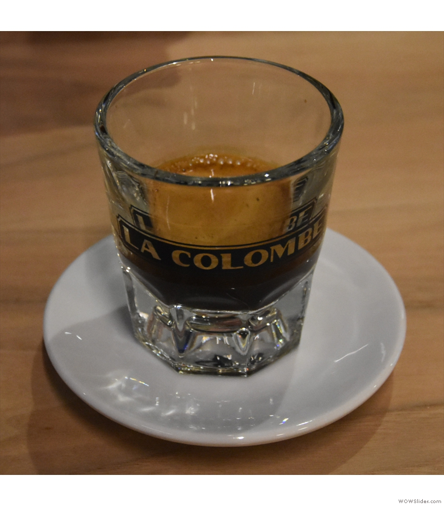 La Colombe, Gold Coast, with this light and fruity Papua New Guinea single-origin.
