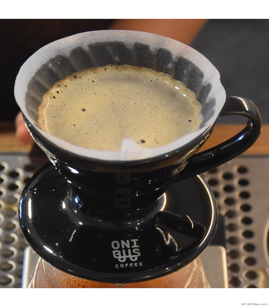 Onibus Coffee, Yakumo, where the cakes and biscuits are all baked in-house.