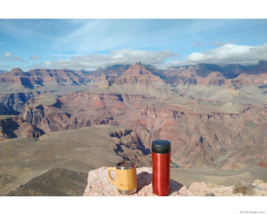 This is the furthest extent of my hike, Skeleton Point, looking north across the canyon.