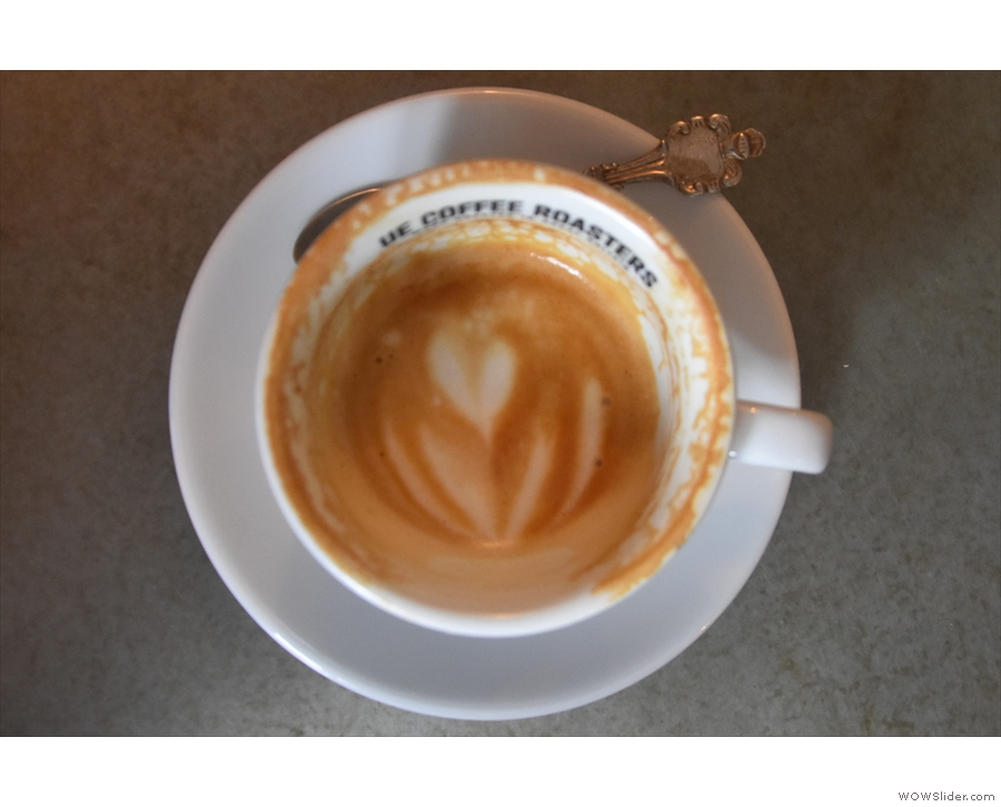 ... a final shot of my latte art, which lasted all the way to the bottom of the cup.