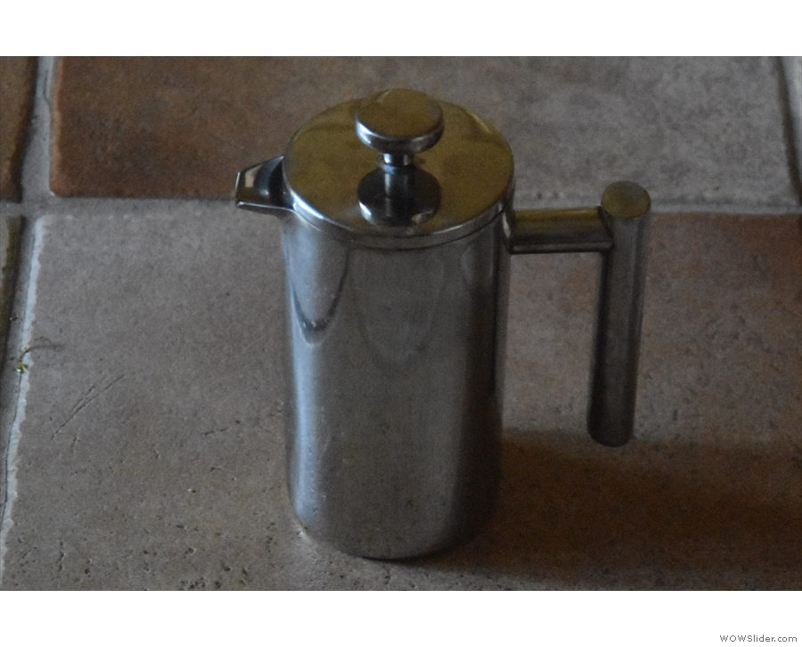 This is what you need to make great coffee at home: a cafetiere...