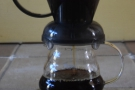 I'm using a glass carafe, again so that you can see better. Putting the Clever Dripper...