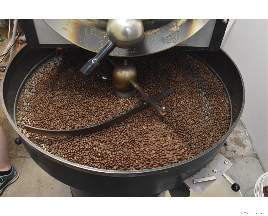 ... allthough most will just use the cooling pan of the roaster to do the job!