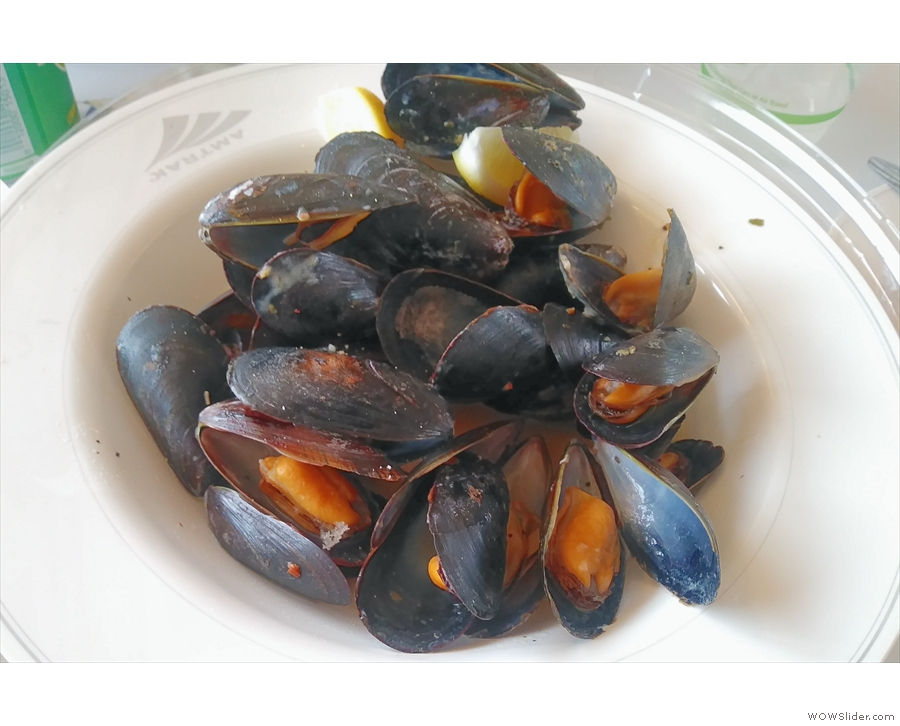 First things first: lunch. And just as I had on the first day, I had mussels...