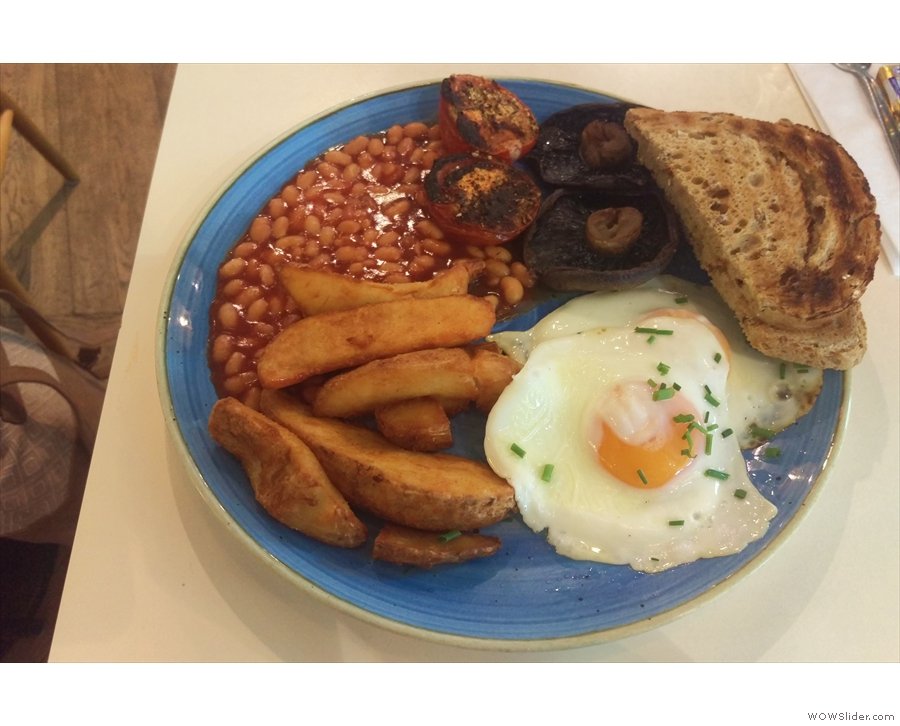The definite (only?) highlight of my Manchester Airport experience: a veggie breakfast...