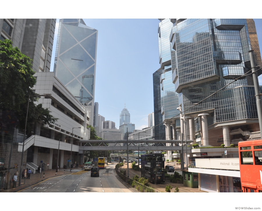... and another view from the top, this time on the way to Central from Admiralty.
