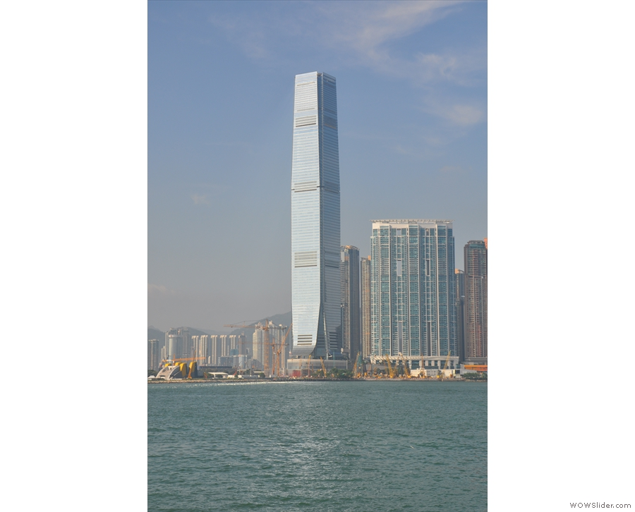 Mind you, Central's not the only place with tall buildings. This beauty stands in Kowloon.