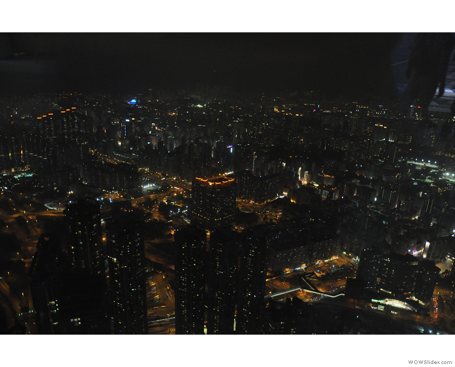 The view inland, looking the other way, across Kowloon to the north.
