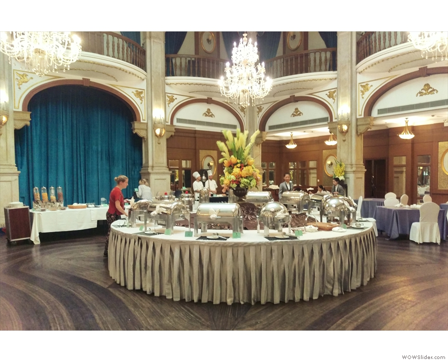 ... let's check out the ballroom at the back, behind reception. It was the breakfast room...