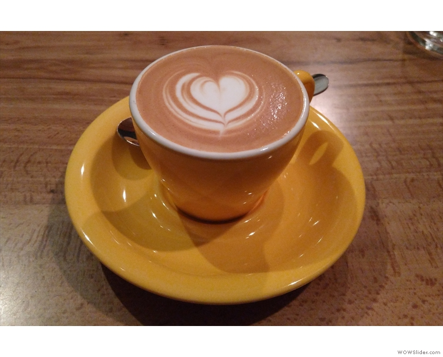 On my most recent visit, I started off with a flat white...