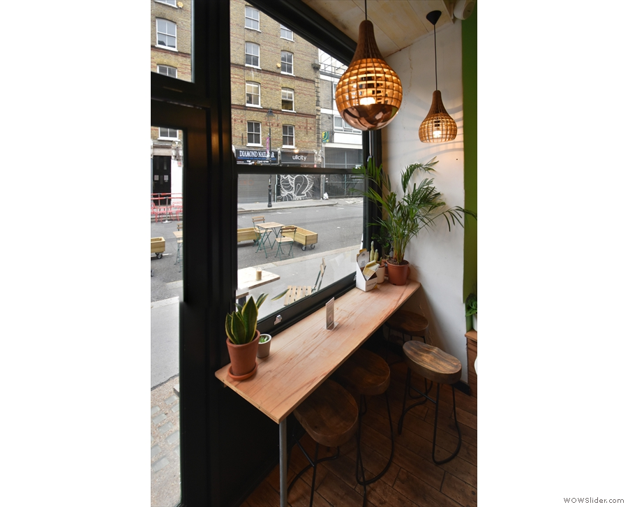 ... while the seating is to the left, starting with this window-bar, and ending with...