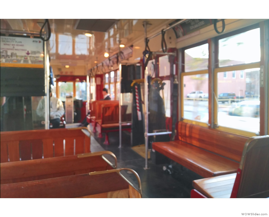 All aboard the streetcar to the station, Line 49...