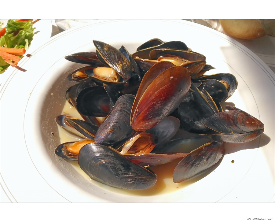 ... other than of the food, obviously. The mussels are one of my all-time favourites.