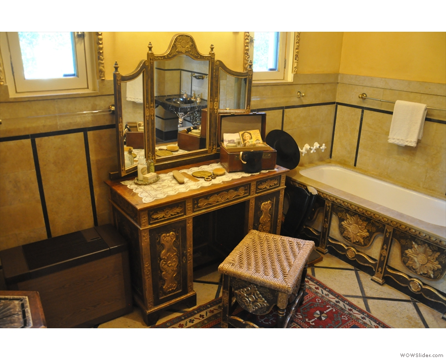 ... with the dressing table next to that.