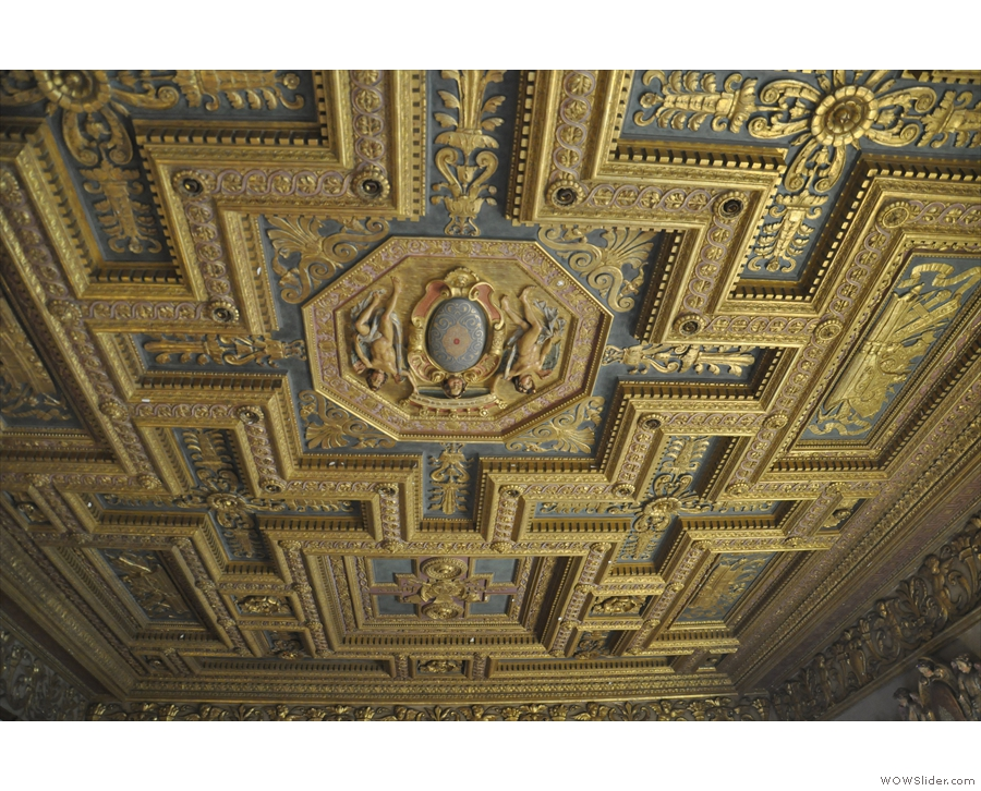 Once again, I can't leave without a look at the ceilings.