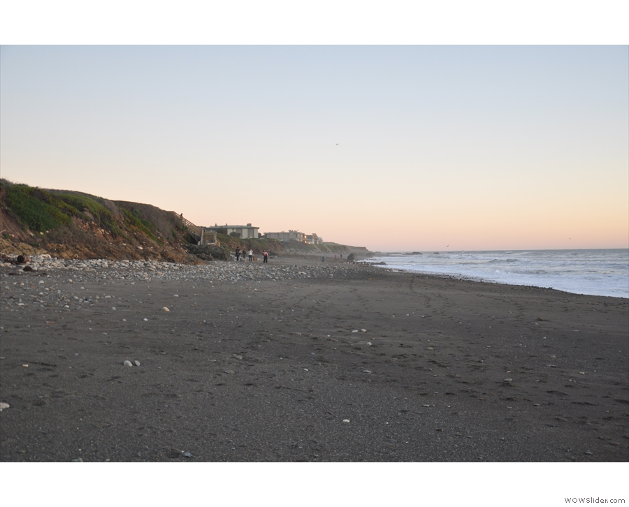 This, meanwhile, is the view to the south, the bluff behind the beach clearly visible.