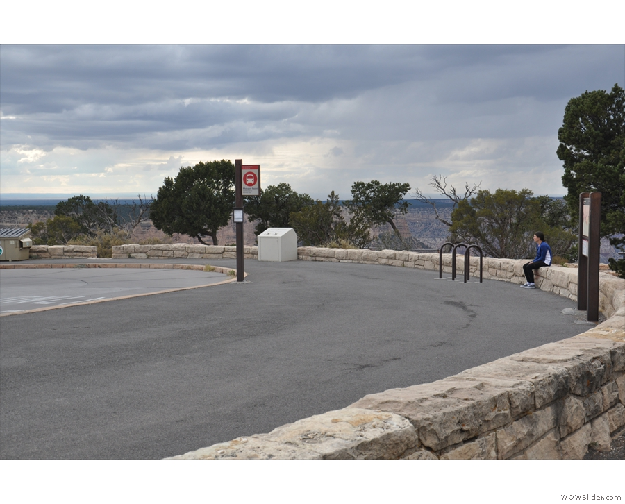 A loop comes off the road for the buses to stop, although Mohave Point is off on its own...