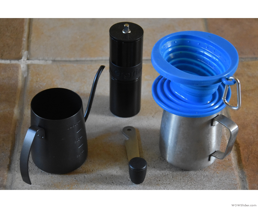 My minimum coffee kit: the pouring jug, my Aergrind, the filter and a metal jug.