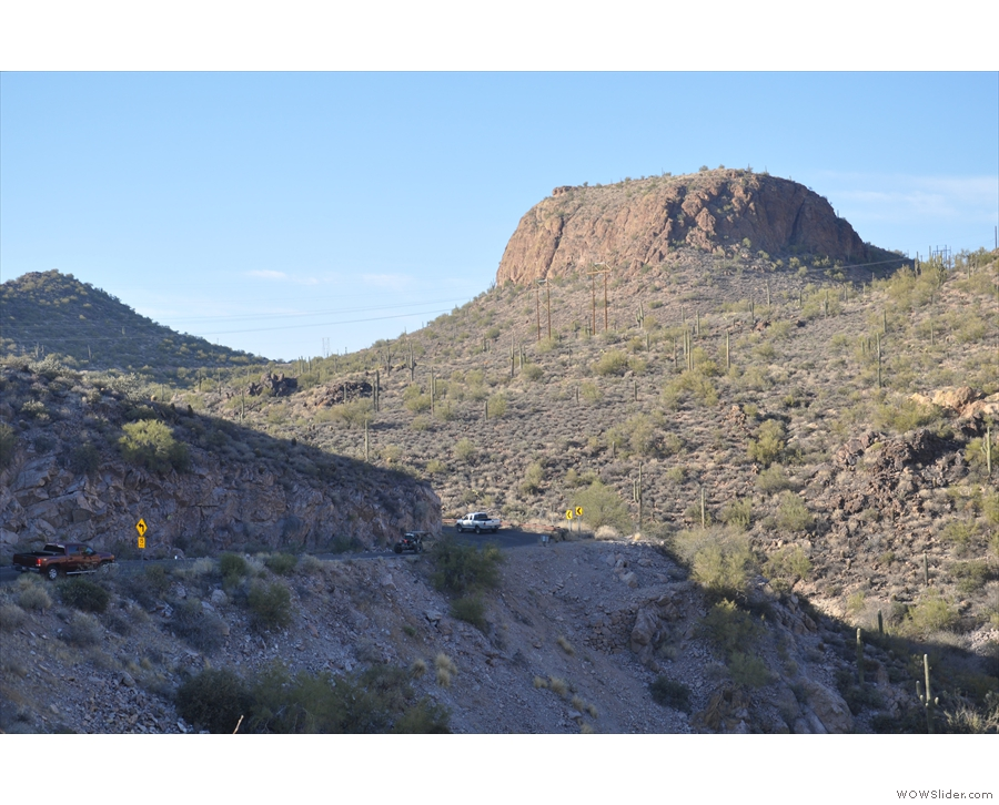 ... sweeps down from Canyon Lake Viista and curves around to the lake.