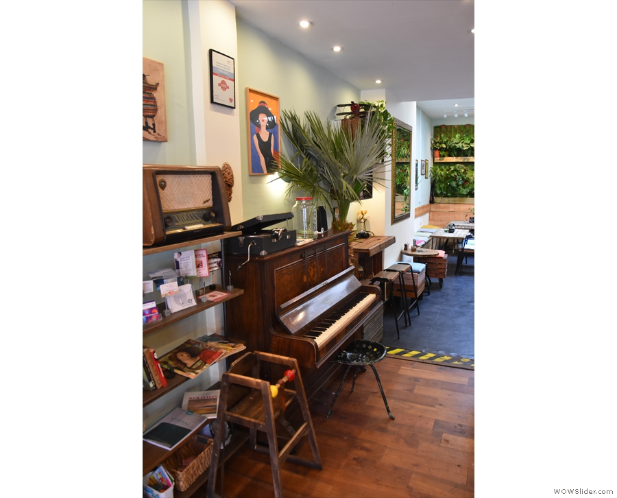 Next, the upright piano. Doesn't your coffee shop have a piano?